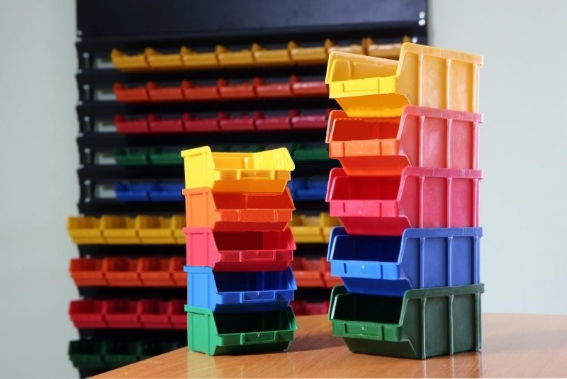 Пластиковые ящики, складские боксы и лотки